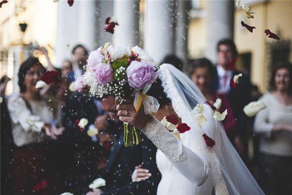 梦见参加别人的婚礼是什么预兆