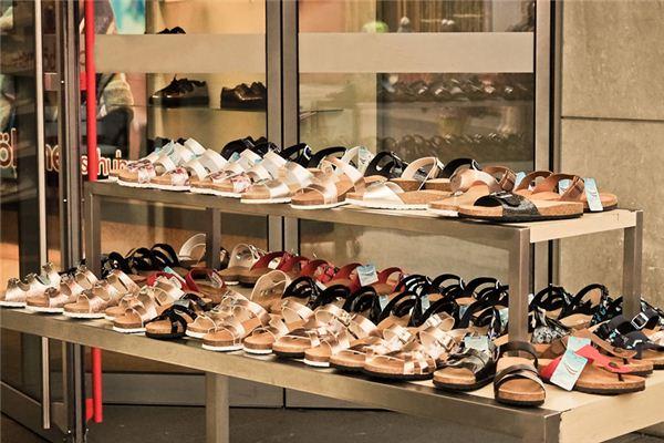 梦见买鞋是凶兆还是吉兆对我们的生活有什么影响
