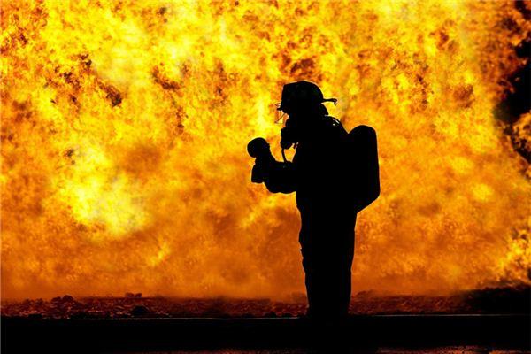 梦见着火有着怎样的寓意是否是好的征兆